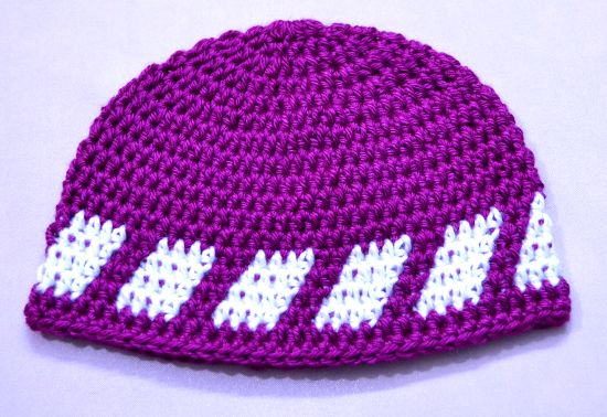 74f9c8f5c1c80 Gorro para niño con figura geómetrica en tejido crochet