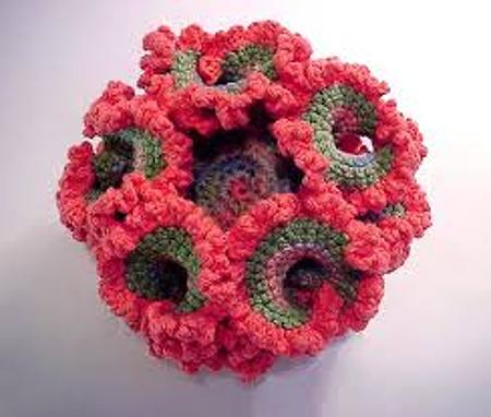 pseudo esfera hiperbólica en crochet