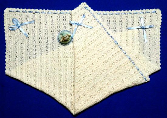 Mantita artesanal a crochet