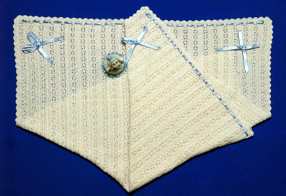 Mantita Artesanal Tejida a Crochet